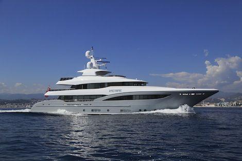 Apostrophe-yacht