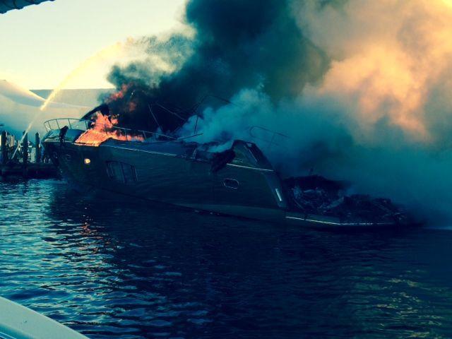 luxury-yacht-fire