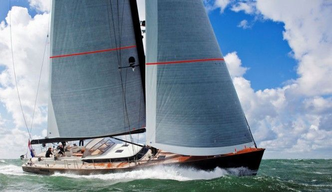 superyacht-Contest-72CS