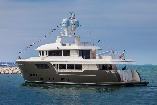 megayacht-Acala