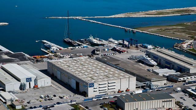 mega-yacht-ISA-shipyard-640x360