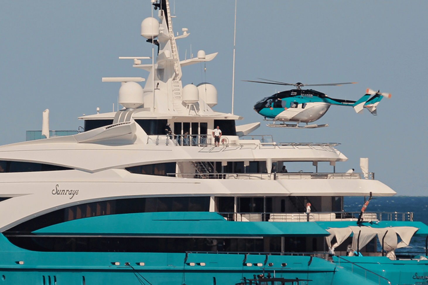 superyacht helicopter min