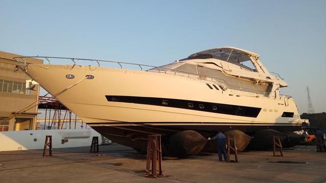 megayacht heysea 96 yacht exterior 640x360