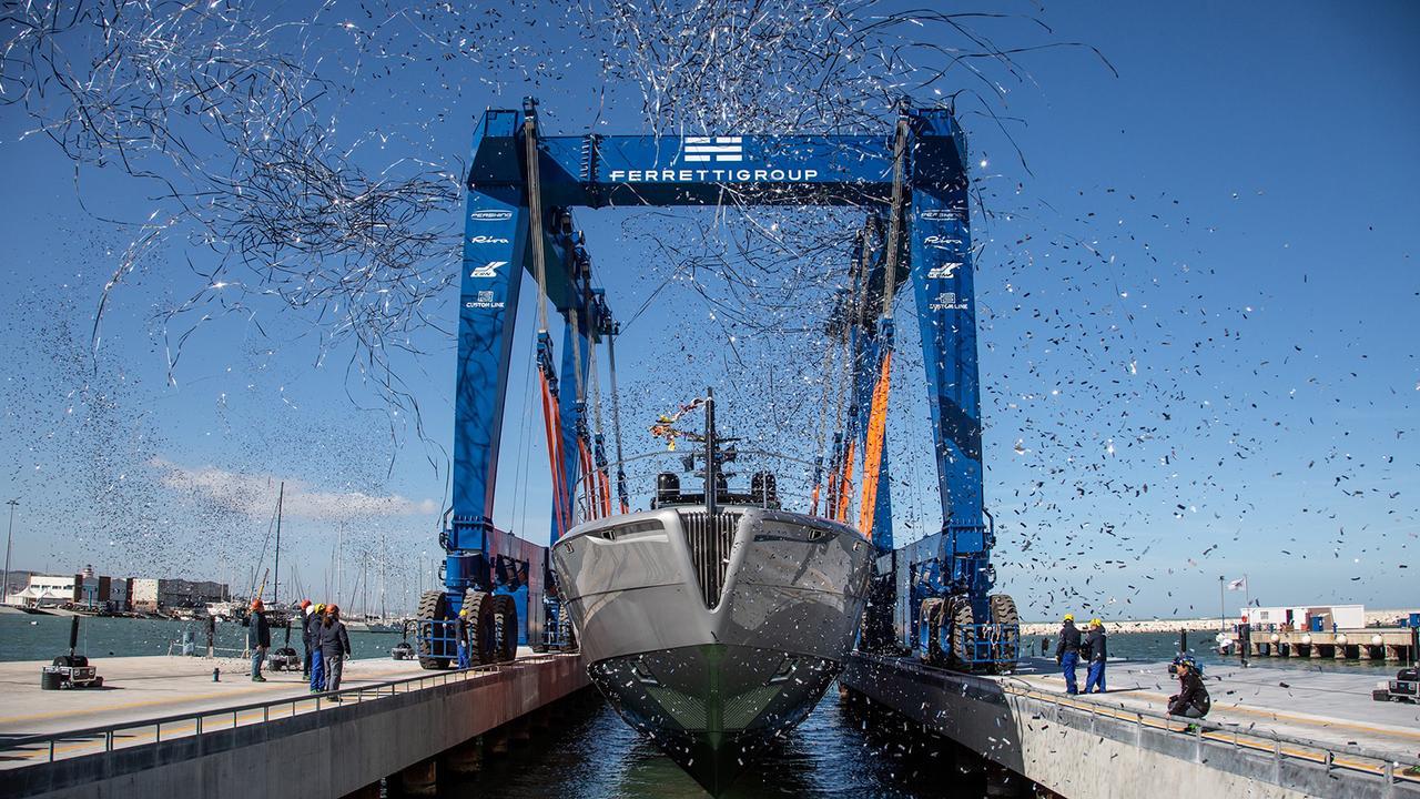 megayacht Pershing140launch